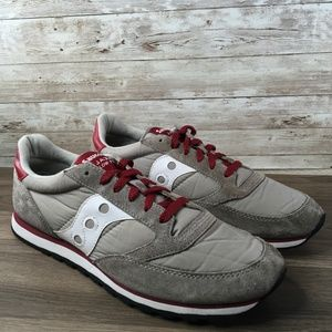 Saucony Jazz Low Pro Gray Red Sneaker